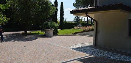 Realizzazione pavimentazione esterna abitazione privata