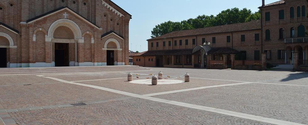immagine pavimentazione in porfido di un sagrato di una chiesa